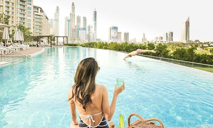 Vida Emirates Hills Pool