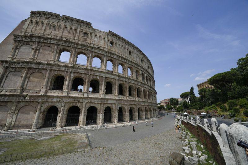 Copy of Italy_Art_Colosseum_Underground_31268.jpg-5a463-1624716757534