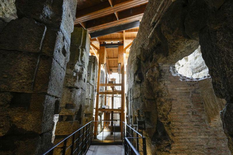 Copy of Italy_Art_Colosseum_Underground_72986.jpg-c5896-1624716779026