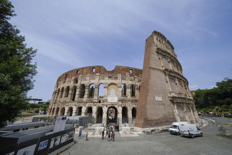 Copy of Italy_Art_Colosseum_Underground_96248.jpg-c4855-1624716721375