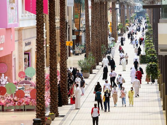 Stock Kuwait malls shopping vaccine