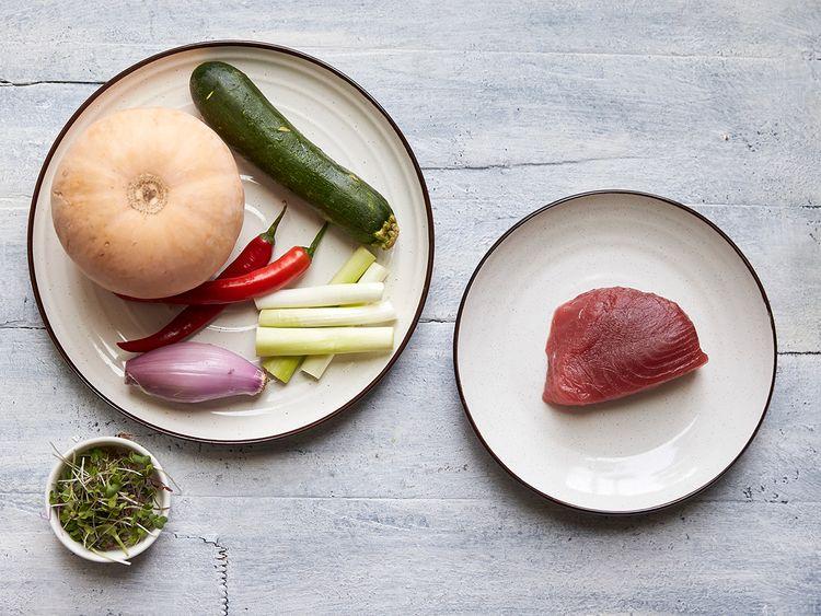 Ingredients to cook tuna steak