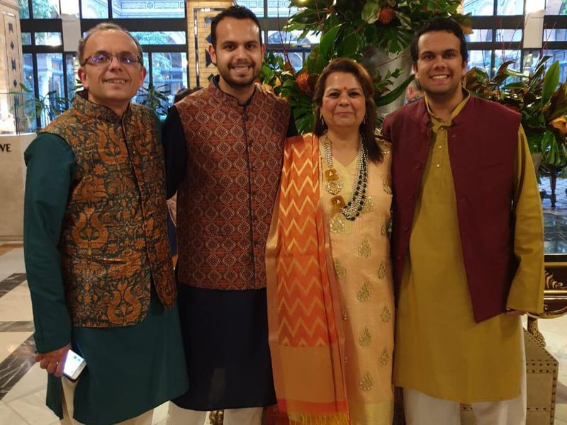 NAT Rina Dave, Navneet Dave with their sons-1624865055922