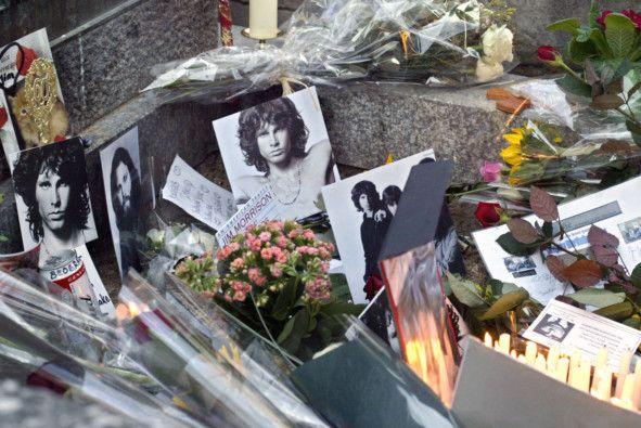 Jim Morrison grave 3-1625125560332