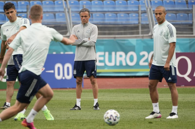 Copy of Russia_Spain_Switzerland_Euro_2020_Soccer_39746.jpg-1a407-1625217501534