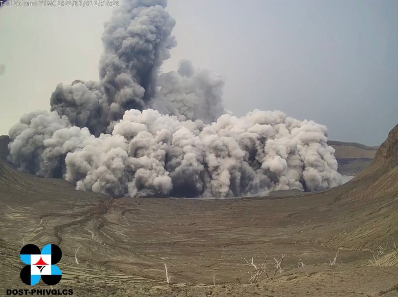 Copy of 2021-07-02T081857Z_464108375_RC28CO981HWT_RTRMADP_3_PHILIPPINES-VOLCANO-1625300693078