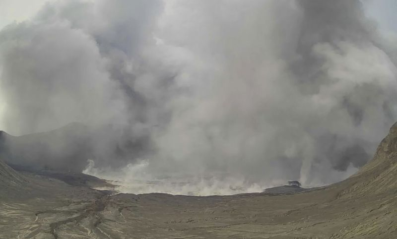 Copy of Philippines_Volcano_66353.jpg-1e4d5-1625300637734