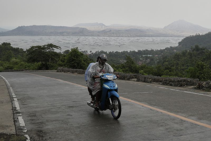 Copy of Philippines_Volcano_73412.jpg-74c79-1625300643835