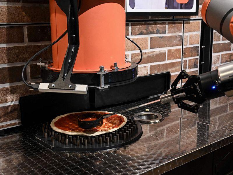 Pizza-making robot