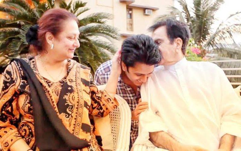 Saira Banu with Riteish Deshmukh and Dilip Kumar