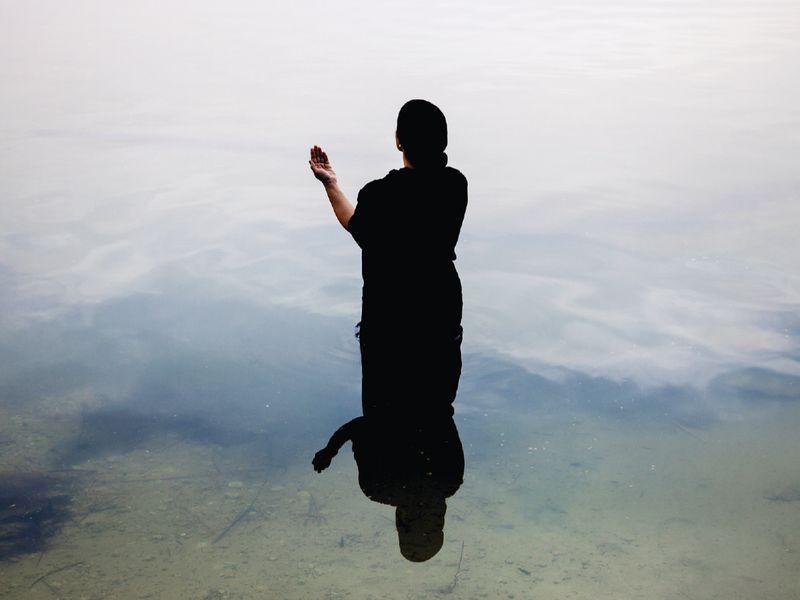 Silsila (Link), 2013 Sama Alshaibi