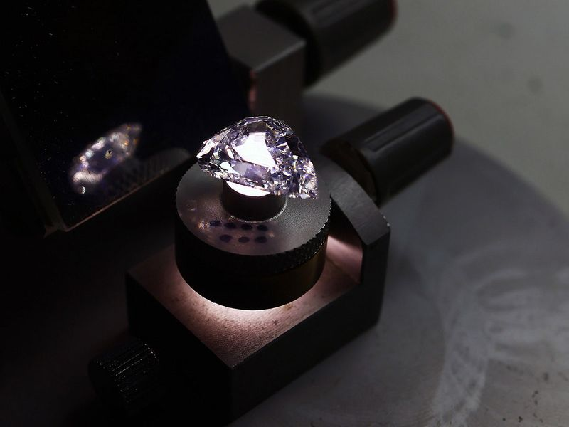 Stock - Diamonds
