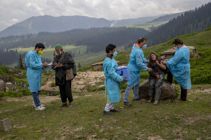 Copy of Virus_Outbreak_Kashmir_Photo_Gallery_93007.jpg-53f02-1625919933373
