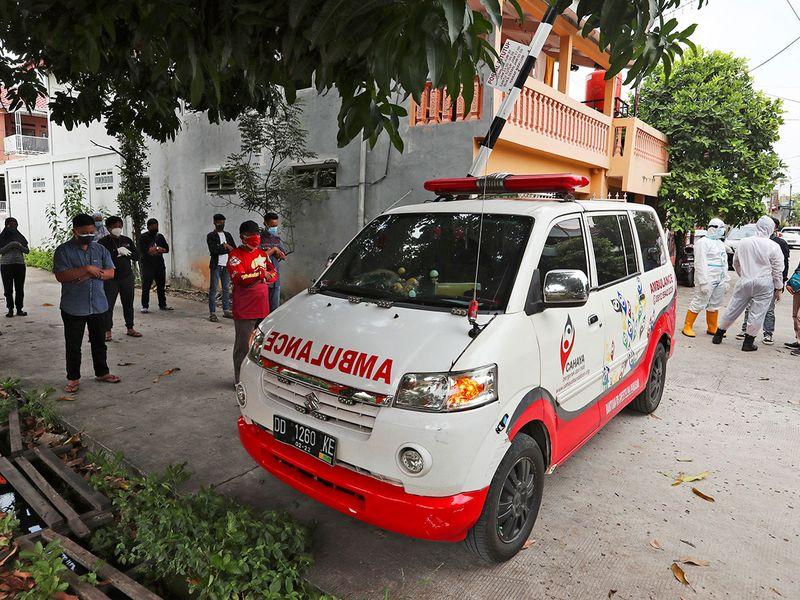 Indonesia ambulance guides