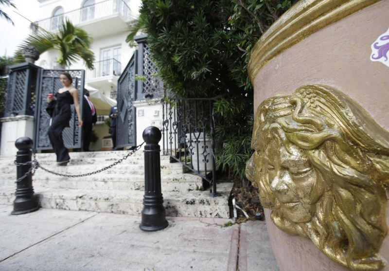 Versace mansion death-1626424033420