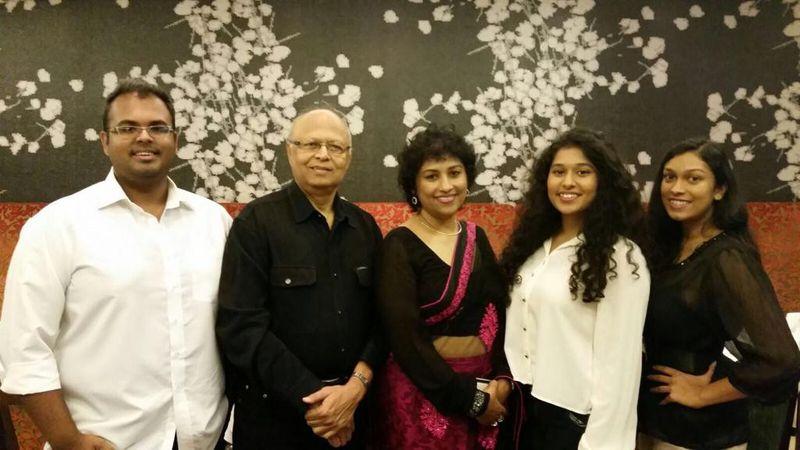 Yoshita Ahmad (centre) with her family-1626414358420