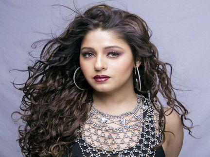 Sunidhi Chauhan-1626611038969