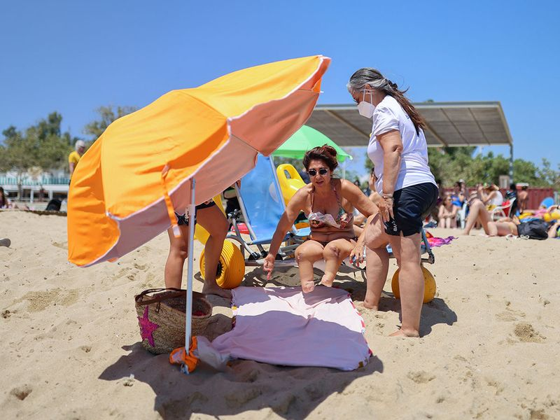 2021-07-20T103747Z_1057701801_RC2AMO9FZAO0_RTRMADP_3_SPAIN-BEACH-DISABLED