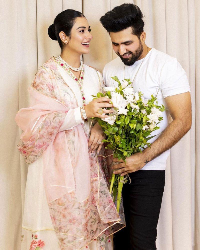 Sarah Khan and Falak Shabir
