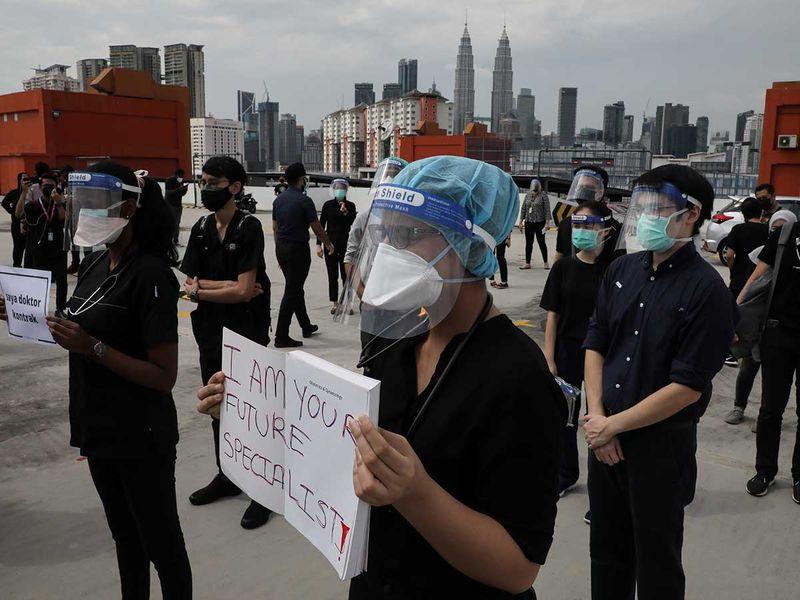 malaysia doctors covid strike