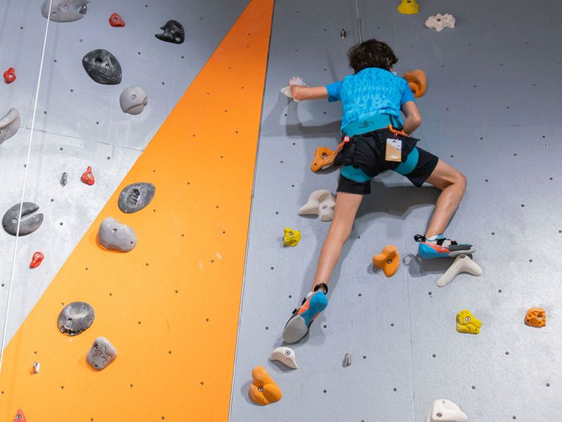 GO BOULDERING WITH CLYMB ABU DHABI