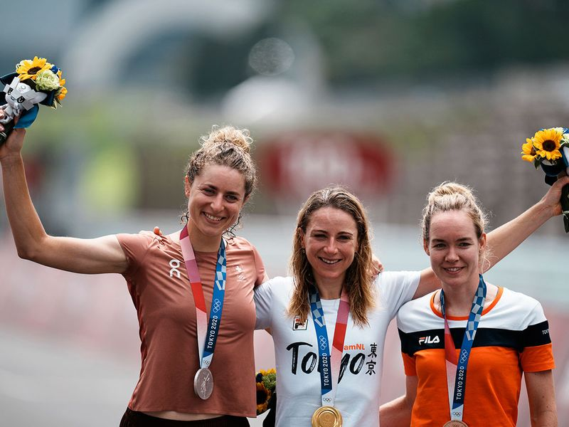 Gold medalist Annemiek van Vleuten of The Netherlands, with silver medalist Marlen Reusser of Switzerland, and bronze medalist Anna van der Breggen of The Netherlands after the women's cycling individual time trial