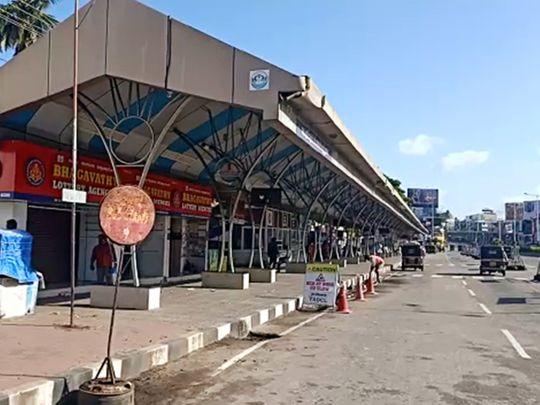 Kerala lockdown empty road