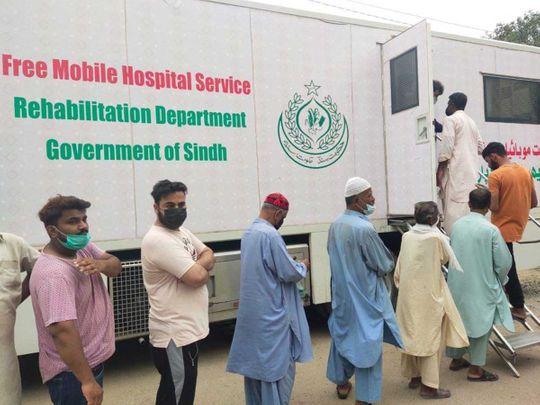 Pakistan Karachi Clifton covid vaccine