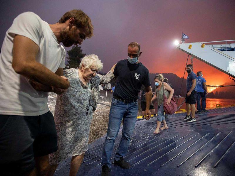 Greece wildfire evacuation