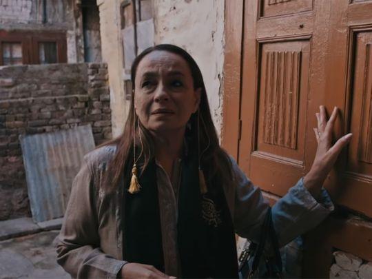 Soni Razdan in 'Ae Savere' video