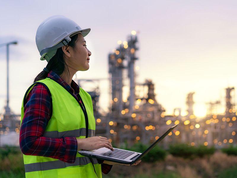 Stock-Digital-Oil-Industry