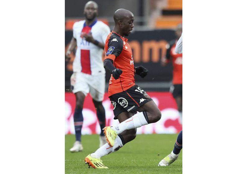 Copy of Soccer_Brentford_Wissa_98853.jpg-506bd-1628847092057