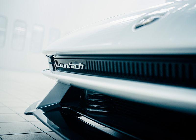 auto countach