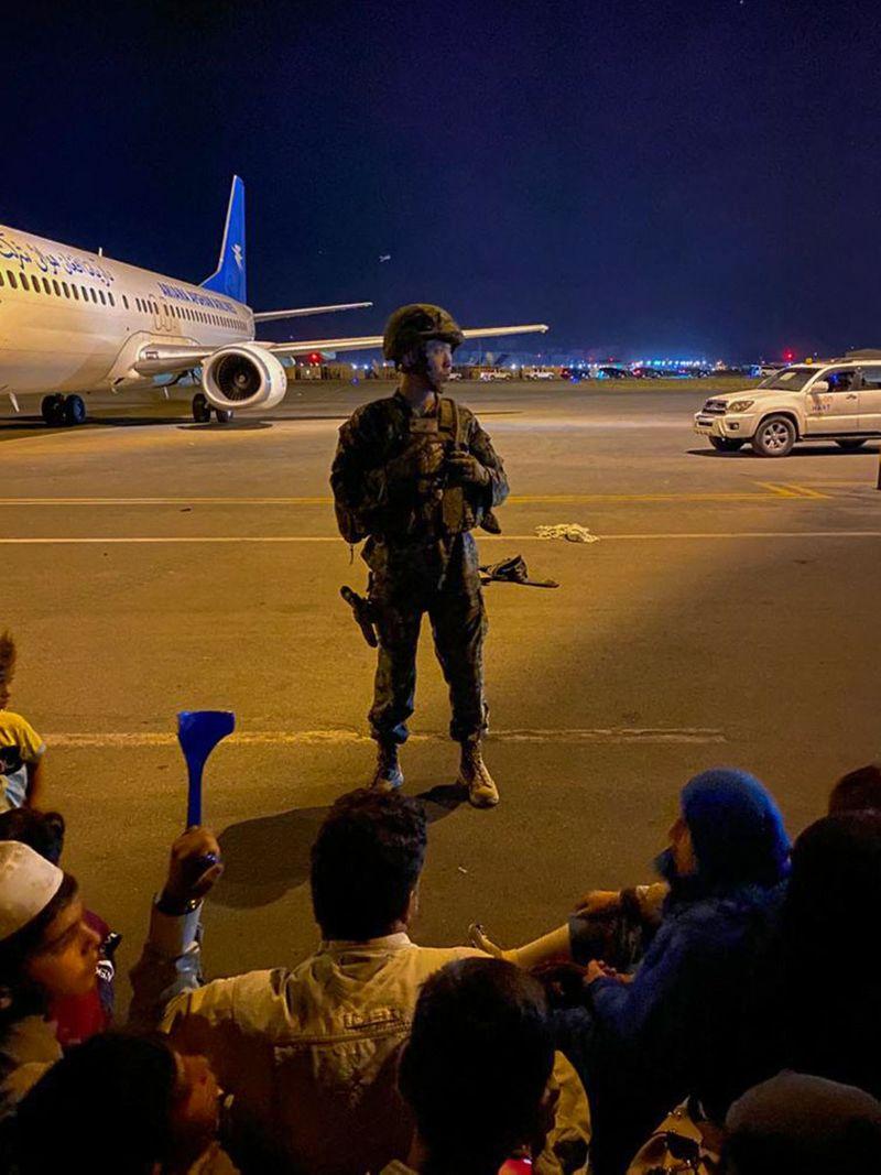 Kabul airport 13-1629102327876