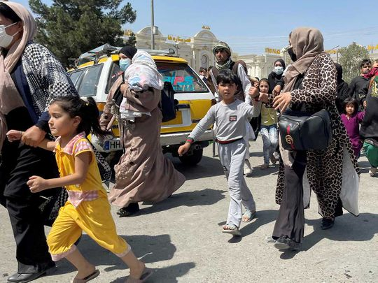 women children kabul airport afghan