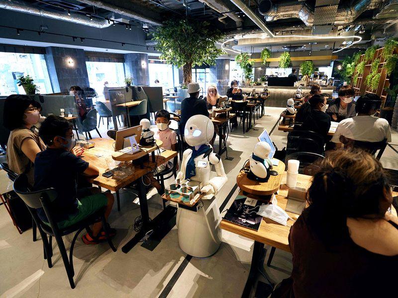 Dawn Cafe robots gallery