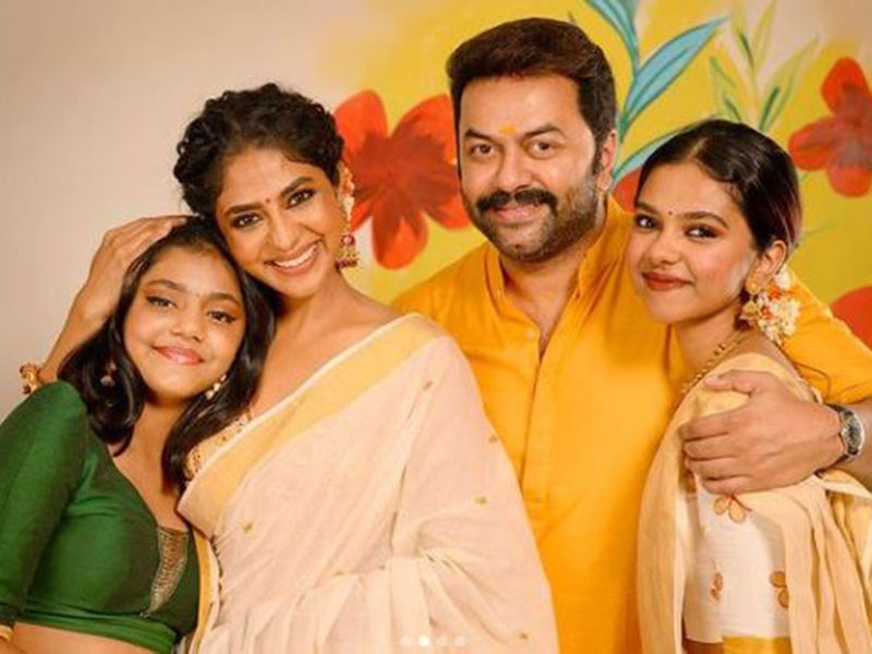 Poornima Indrajith with her family