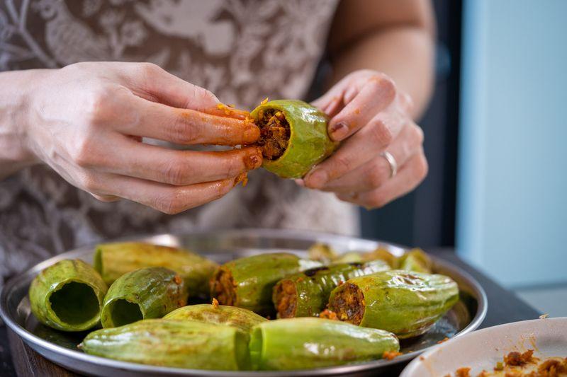 Bengali stuffed pointed gourd recipe
