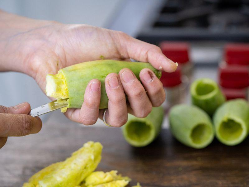 Recipe for Potol'er Dorma or stuffed pointed gourd