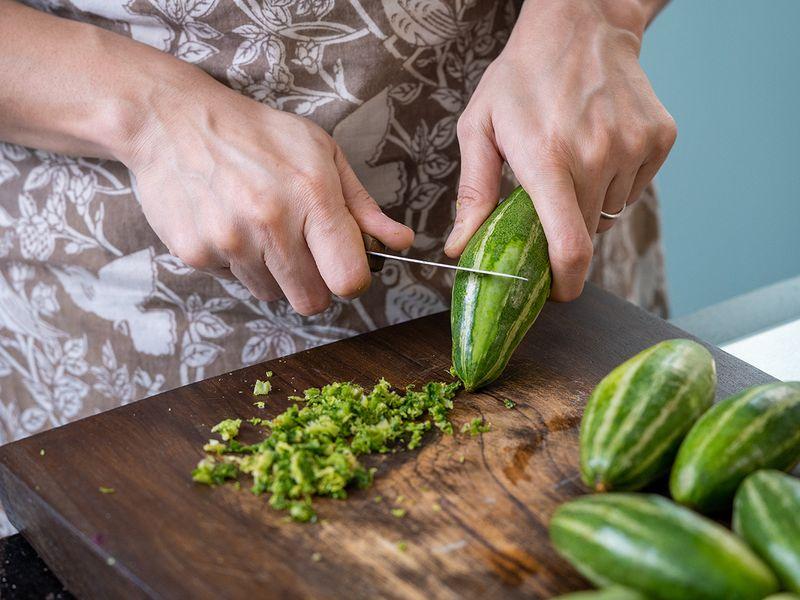 Recipe for Potol'er Dorma ot stuffed pointed gourd