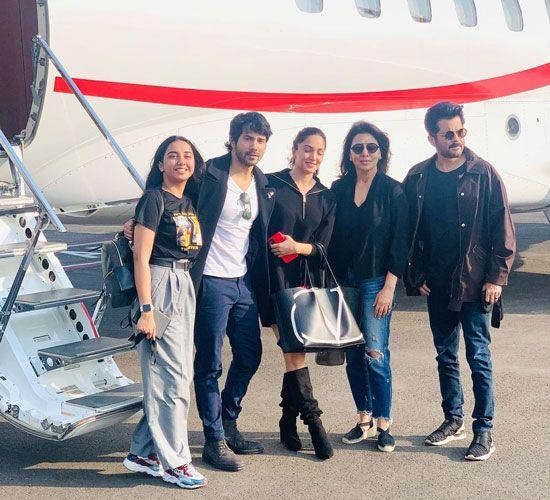 Varun Dhawan, Kiara Advani, Neetu Kapoor and Anil Kapoor