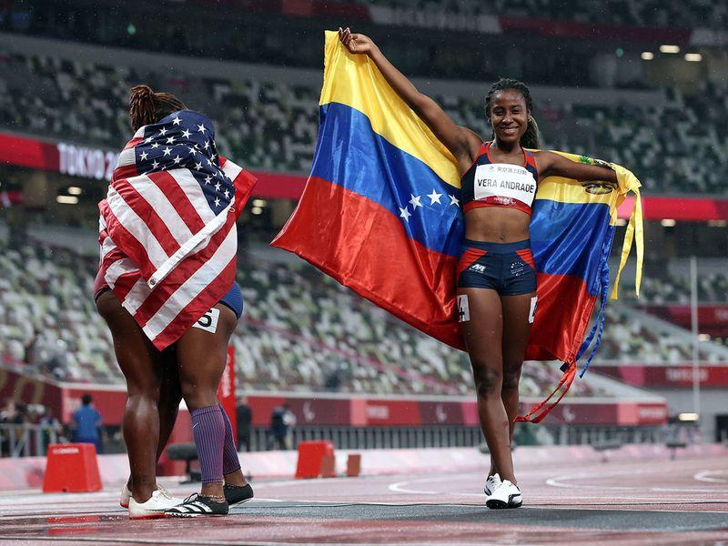 Lisbeli Marina Vera Andrade of Venezuela celebrates winning the T47 100m