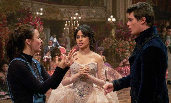 Copy of Film_Review_-_Cinderella_38712.jpg-8f7b3-1630742741994