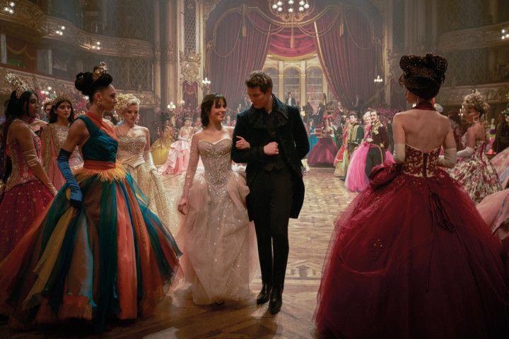 Copy of Film_Review_-_Cinderella_24236.jpg-524e5 [1]-1630822432975