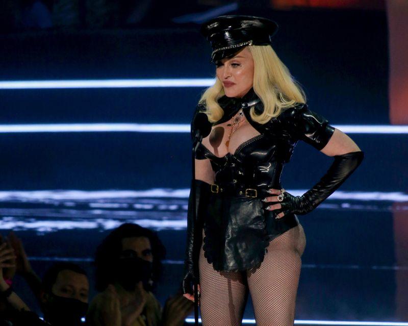 Madonna-1631510057714