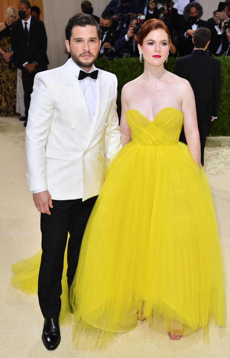 Kit Harington and Rose Leslie at the Met Gala 2021