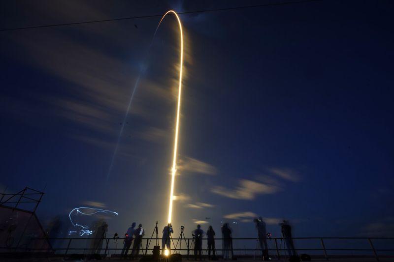 Copy of APTOPIX_Private_Spaceflight_31120.jpg-0a73c-1631761664110
