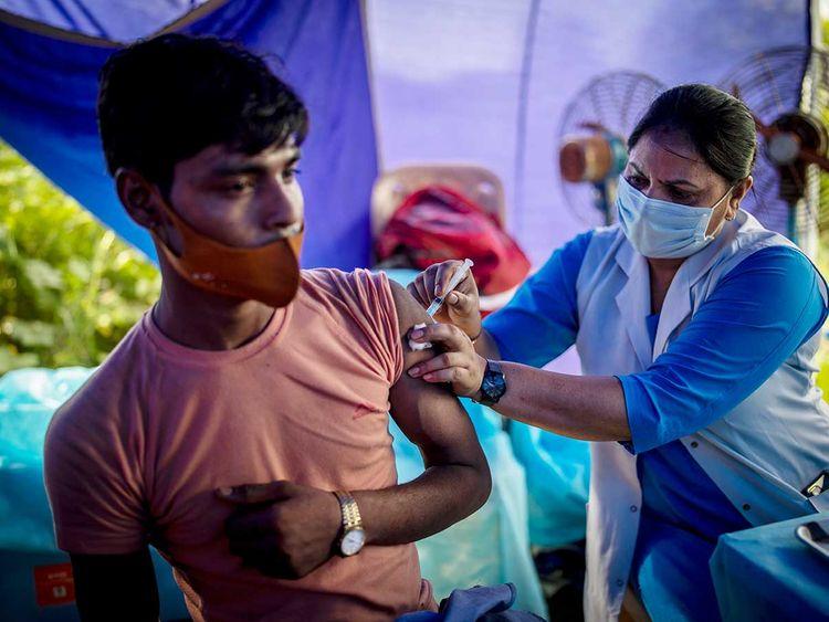 india health worker covid vaccine