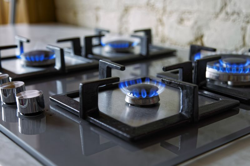Open flame gas stove