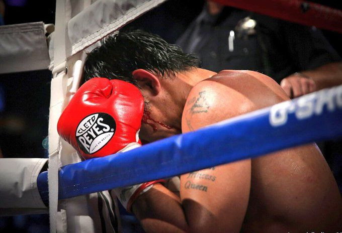 Pacquiao prays on the right before and after a fight